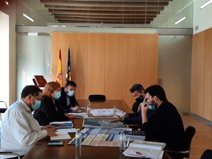 La Delegació del Govern i l'Ajuntament d'Almussafes es reuneixen per a impulsar la indústria automobilística de la C. Valenciana