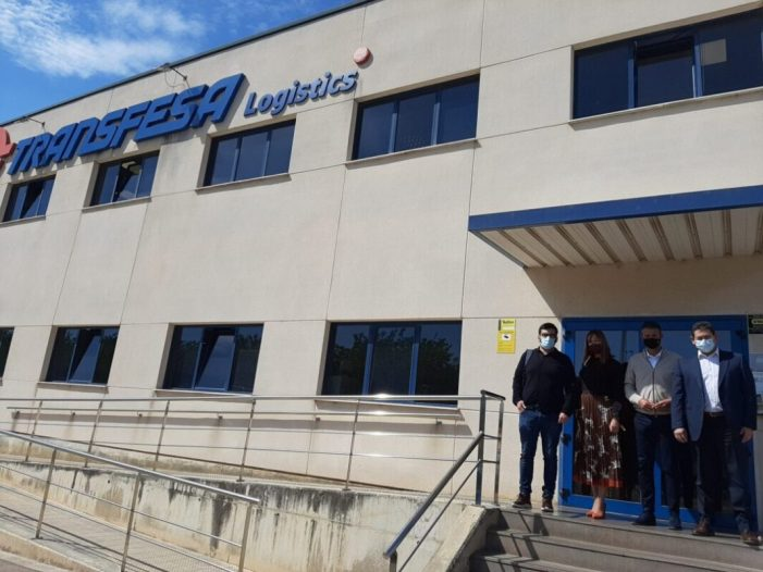 L'alcalde d'Almussafes visita l'empresa Transfesa Logistics, situada en el Polígon Industrial Joan Carles I