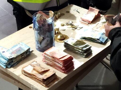 La Policia Nacional desmantella tres punts de venda de substàncies estupefaents a la ciutat de València