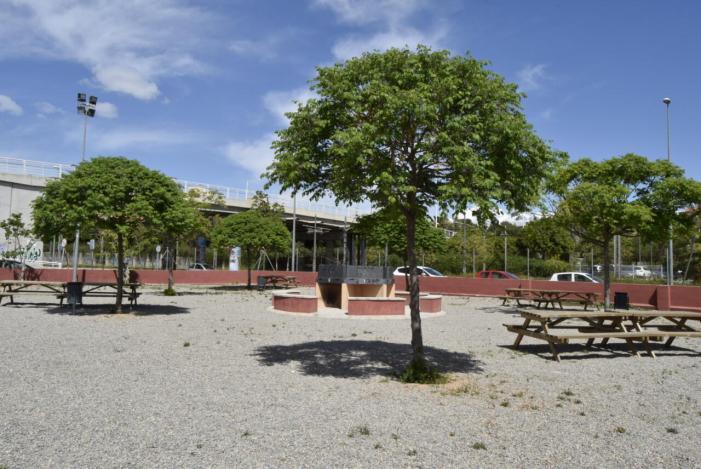 L'Ajuntament de Burjassot reobri l'espai d'oci de paellers i barbacoes