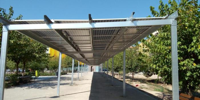 L'Ajuntament de València posa en funcionament huit pèrgoles fotovoltaiques en diversos barris i pobles