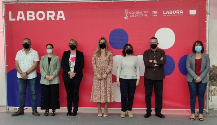 El Fòrum Connecta Labora de la comarca de l'Horta Sud reuneix a prop d'un miler de demandants d'ocupació