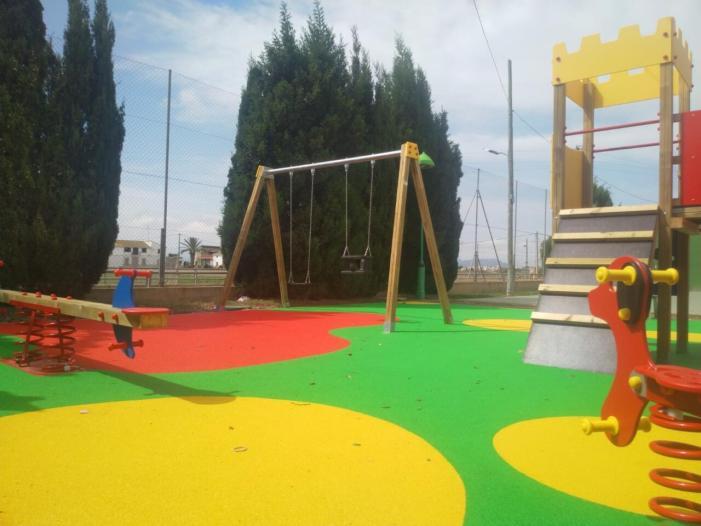 L'Ajuntament de Meliana renova el parc infantil del Casó de Roca