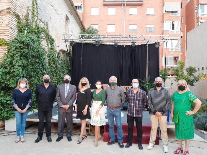 El Centre Cultural Andalús d'Almussafes plena de poesia el Museu Casa Ayora