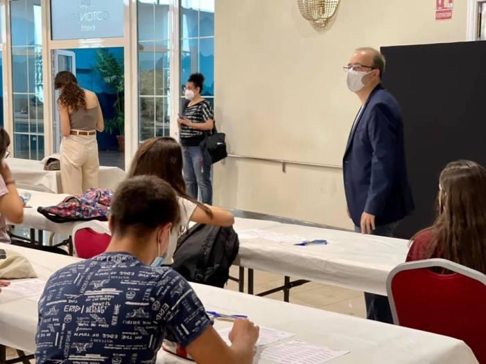 Vora 500 joves comencen hui a Alzira les proves d'accés a la universitat  (PAU)