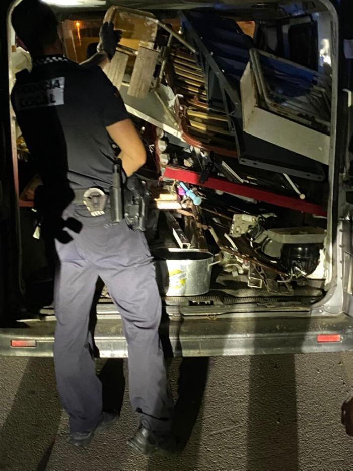 La Policia Local avorta un robatori de ferralla en l'EcoParc de Sueca