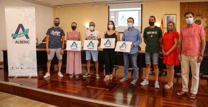 Renaix l'associació de comerciants d'Alberic (ACUDIU) per a impulsar el teixit empresarial del municipi