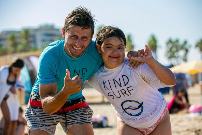 L'escola d'estiu de Mediterranean Surf School d' Alboraia és inclusiva