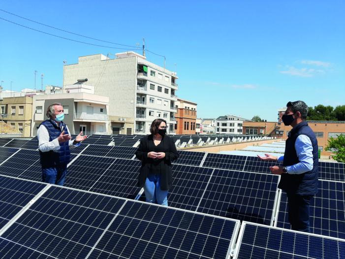 Almussafes instal·larà plaques fotovoltaiques per a autoconsum en el Poliesportiu i el Centre de Salut