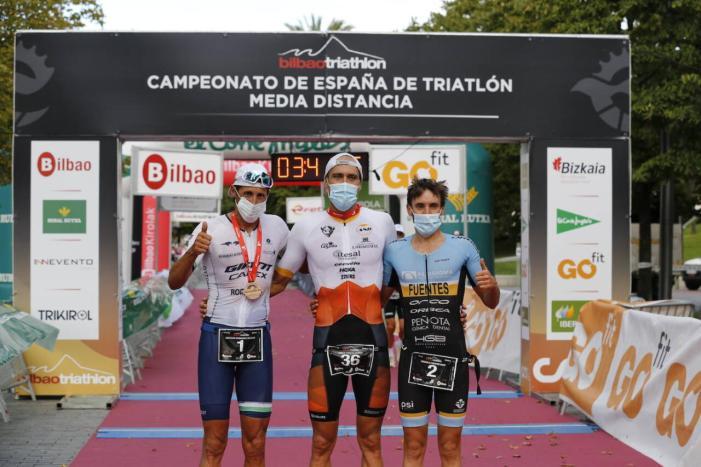 El godellenc Emilio Aguayo es proclama campió d'Espanya de triatló de mitjana distància