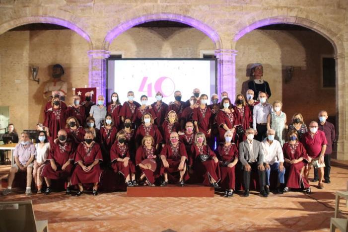 El Castell d'Alaquàs va acollir el passat dissabte l'acte de celebració del 40 aniversari de la Comparsa Els Ollers d'Alaquàs