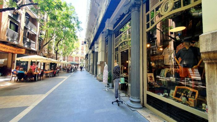 València Activa i l'Associació de Comerciants del Centre impulsen la digitalització dels comerços per a garantir la seua viabilitat