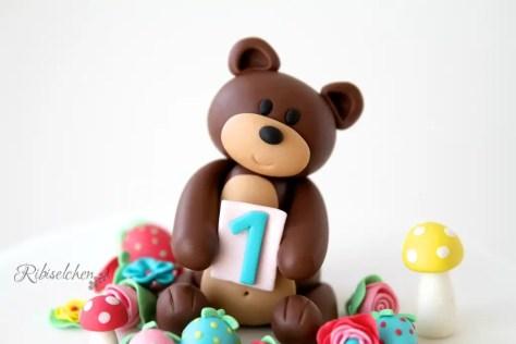 Teddybär aus Modellierfondant