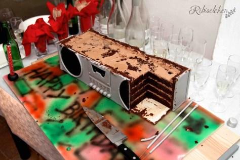Soundmachine Torte 14