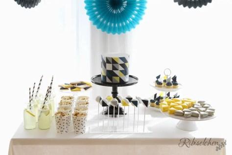 Sweet Table mit geometrischem Muster