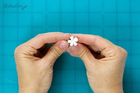 Jasminblüten aus Blütenpaste