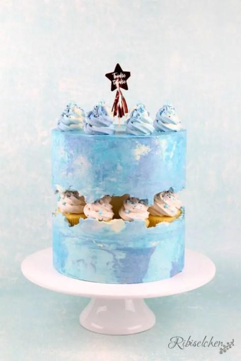 Fault Line Torte Anleitung für eine Babyparty Torte blau