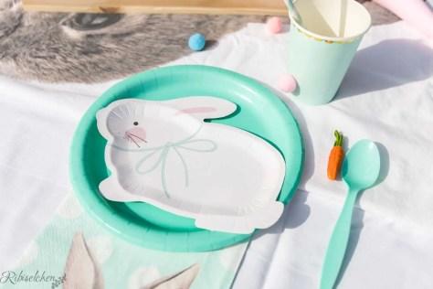 Teller in Häschenform für die Kinder Hasenparty