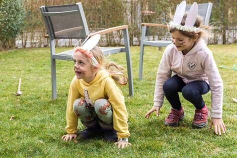 Partyspiel Stopptanz mit den Kindern als Häschen