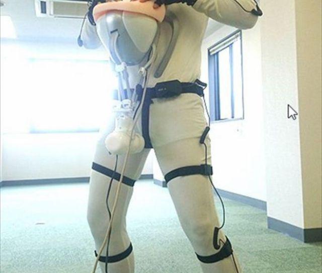 Virtual Reality Sex Suit 1