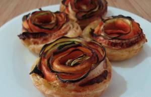 rose di pasta sfoglia, carote e zucchine