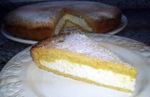 torta versata alla ricotta per un dolcissimo dessert