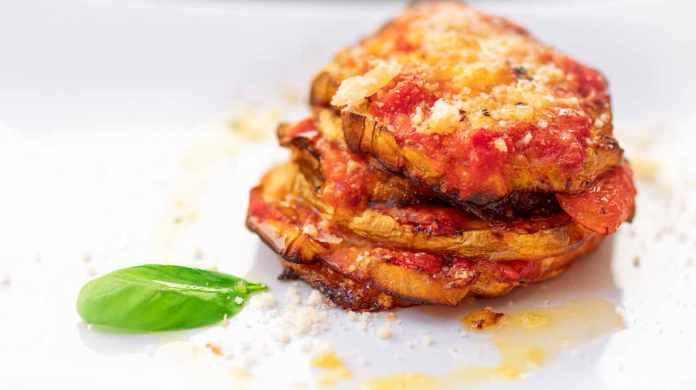 Parmigiana di zucchine al pomodoro - ricettasprint