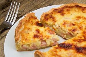 crostata salata di patate con prosciutto e formaggio
