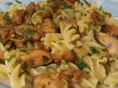 Pasta Funghi e Cozze