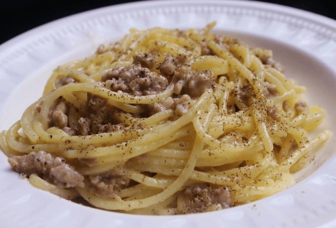Spaghetti Cacio, Pepe e Salsiccia
