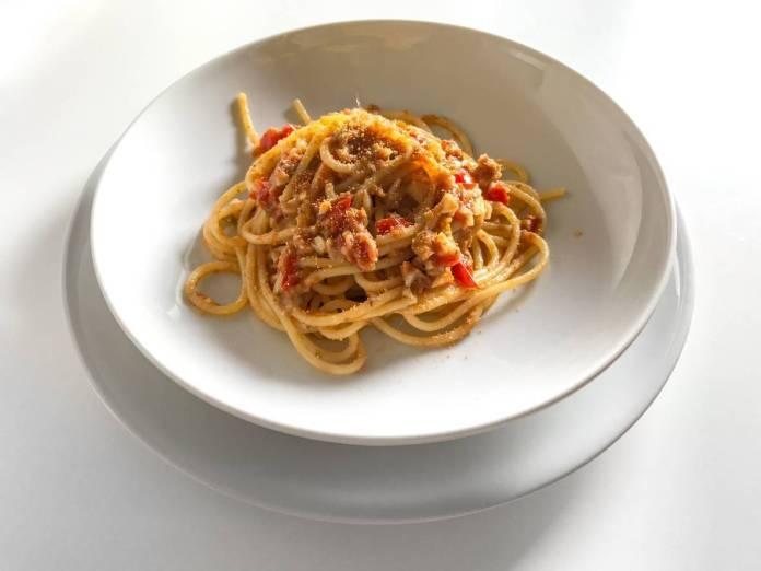 Spaghetti con Pomodorini e Pangrattato