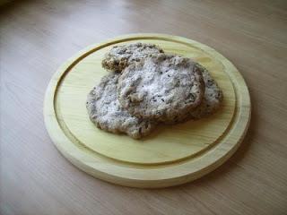 Cookie integrali con noci, uvetta e cannella