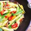 padella zucchine pomodori cipolla