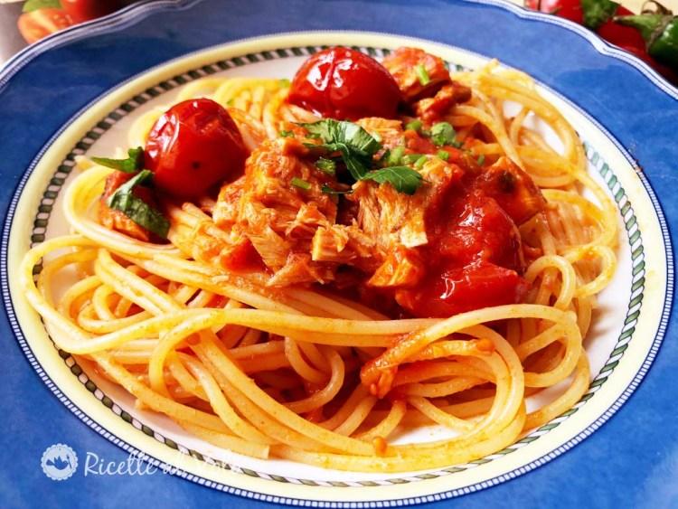 Spaghetti con sugo di pomodorini e tonno al naturale