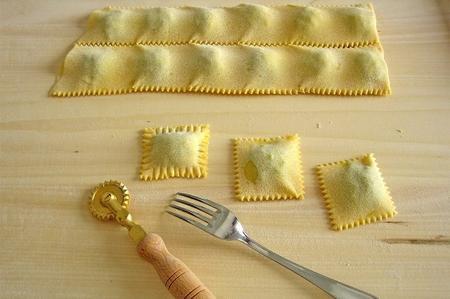 Pasta fresca ravioli di zucca e ricotta  Ricette a tavola