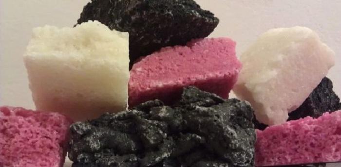 Dolce carbone della befana colorato  Ricette a tavola
