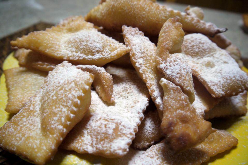 Dolci Cenci fritti per Carnevale  Ricette a tavola
