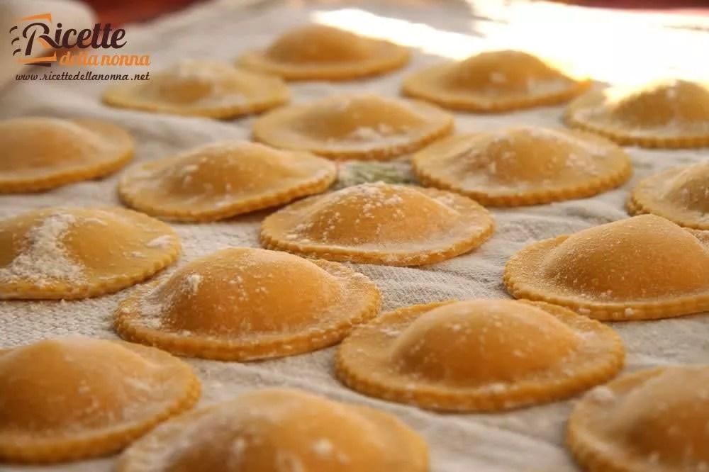 Come fare la pasta fatta in casa  Ricette della Nonna