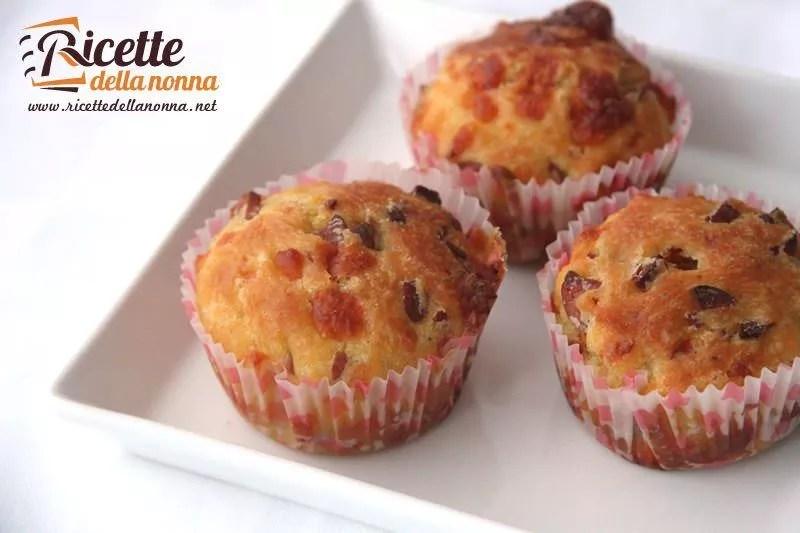 Muffin salati wurstel e provola  Ricette della Nonna