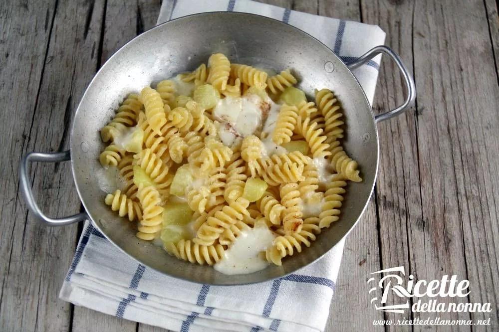 Pasta al forno con patate  Ricette della Nonna