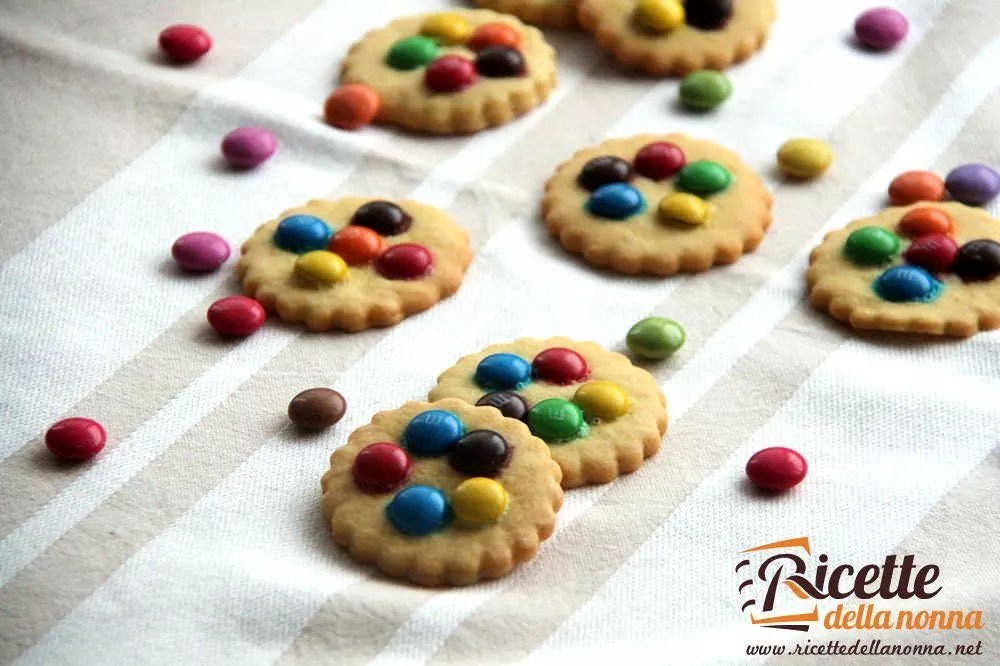 Biscotti con le smarties e le MMs  Ricette della Nonna