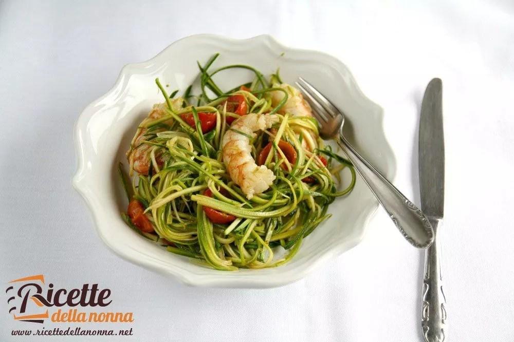 Spaghetti di zucchine con pomodorini e gamberoni  Ricette
