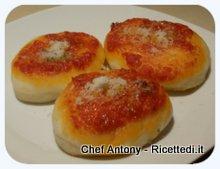 pizzette al pomodoro e parmigiano