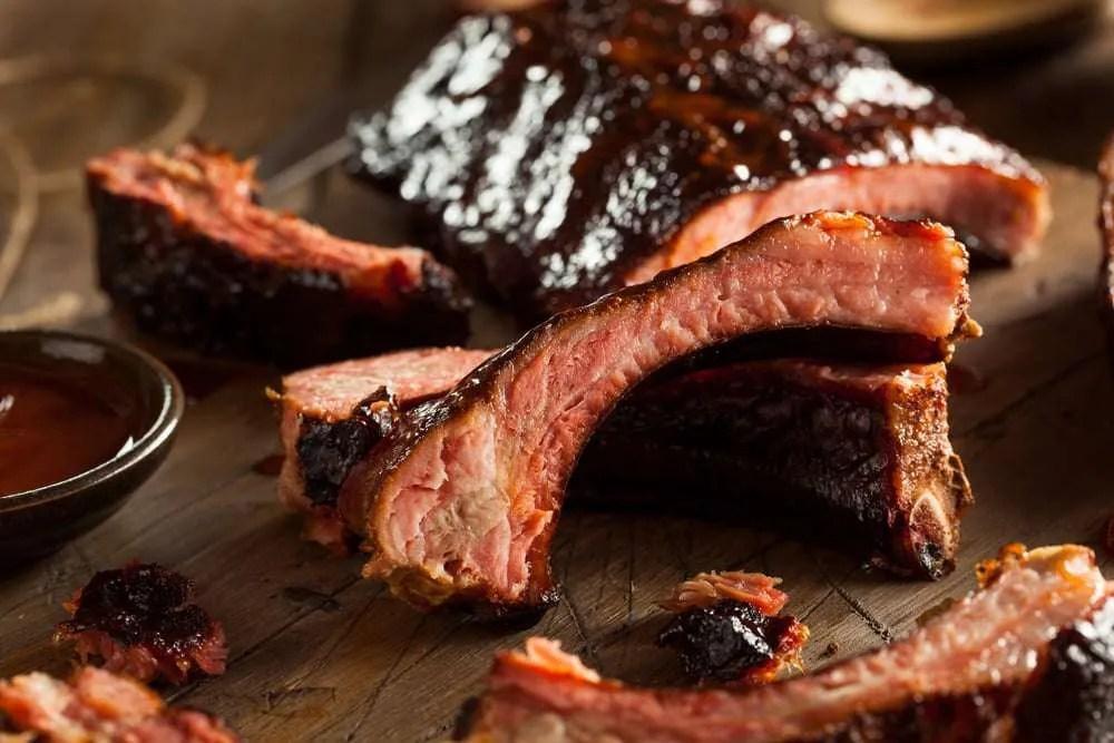 Costine di maiale allamericana con salsa barbecue