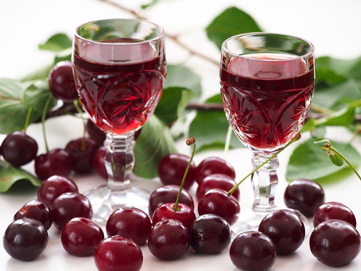 Liquore alle ciliegie  Ricette di Sardegna