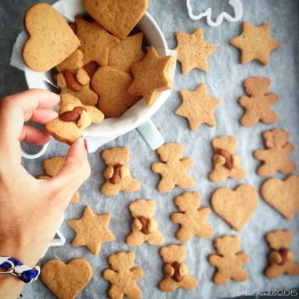 biscotti pan di zenzero senza burro vegan dairy free gingerbread man cookies