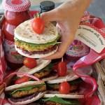 Piadina con radicchio, falafel di ceci e zucchine… e Scamporella! | Falafel pita sandwich {vegan recipe}