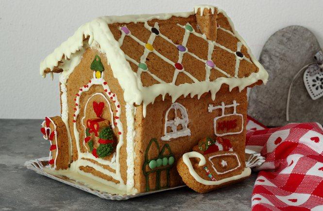 vegan-gingerbread-house