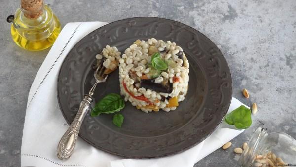 insalata-di-orzo-al-pesto-verdure