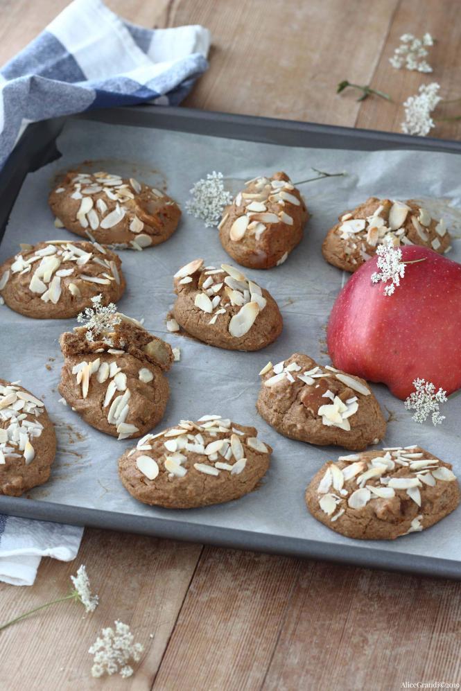biscotti-morbidi-alle-mele-senzaburro-senza-glutine